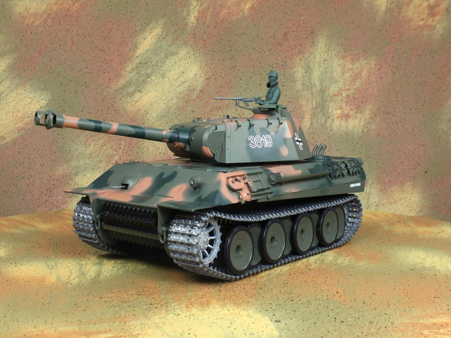 HENG-LONG Toys 3819 RC Scale Model Tank, World War II Germany Panther Remote Control Tank.