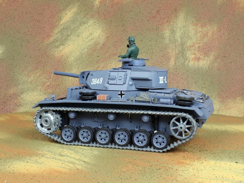 HENG-LONG Toys 3848 RC Scale Model Tank, World War II German Panzer III (Panzerkampfwagen III) Remote Control Tank.