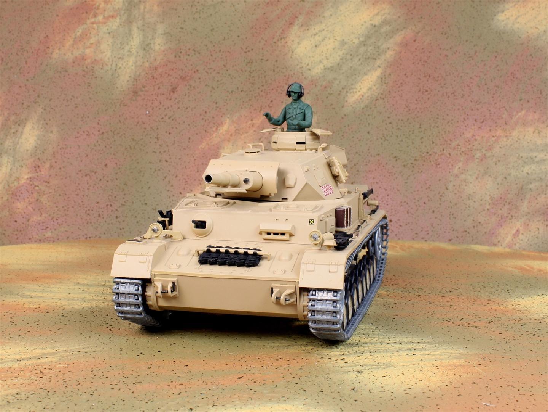 HENG-LONG Toys 3858 RC Scale Model Tank, World War II German DAK Pz.Kpfw.IV Ausf.F-1 Remote Control Tank.