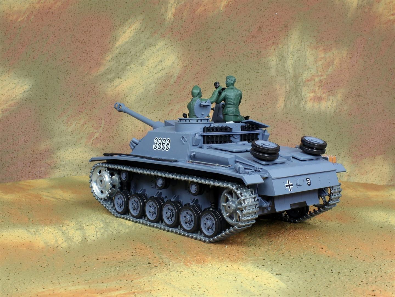 HENG-LONG Toys 3868 RC Scale Model Tank, World War II German StuG III Ausf. F/8 (Sd.Kfz.142/1) Remote Control Tank.
