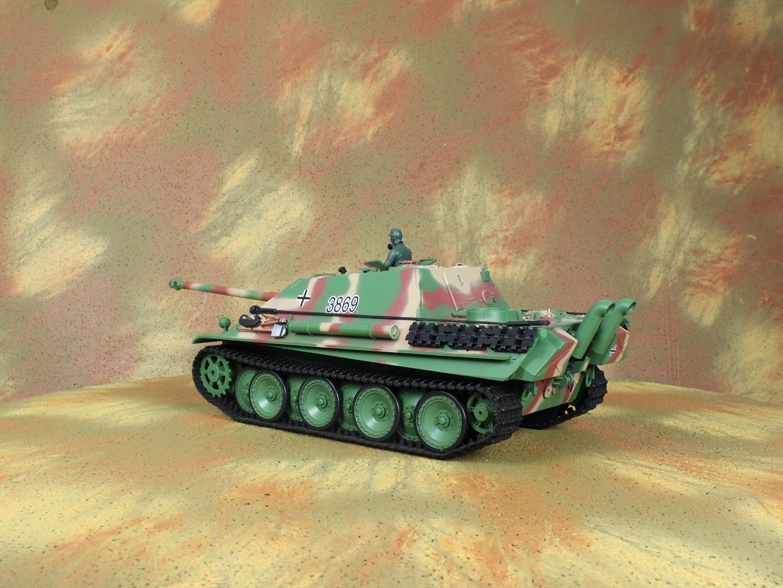 HENG-LONG Toys 3869 RC Scale Model Tank, World War II Jagdpanther German Tank Destroyer Remote Control Tank.