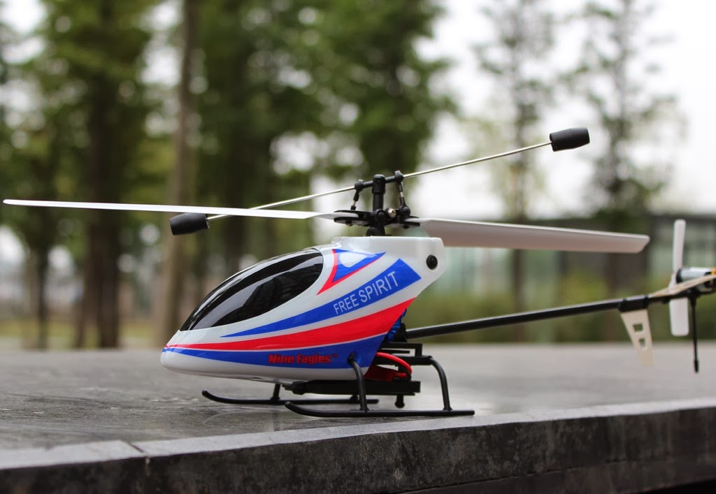 Nine Eagles Free Spirit 220A 2.4G 4-CH RC Helicopter RTF