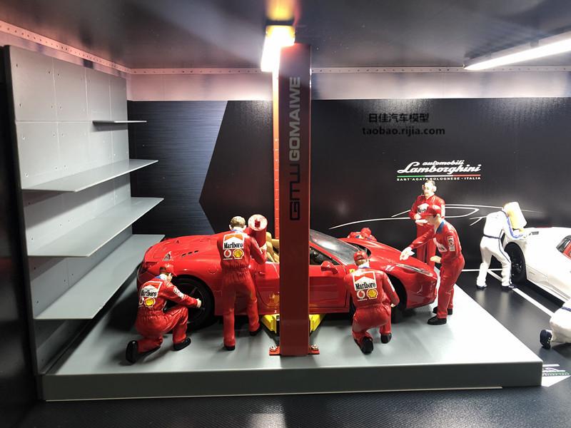1/18 scale model Car mechanic, Wearing Red overalls Marlboro Car Repairman Action Figure Model, Car Repair Worker Diorama, Suitable for 1:18 scale model car scene.