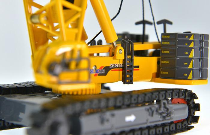 1/120 Scale Model XCMG XGC260 Crawler Crane, Engineering Machinery Diecast Model.
