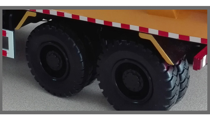 1/24 Scale Model XCMG Off-Road Heavy-Duty Dump Truck Construction equipment Diecast Model.