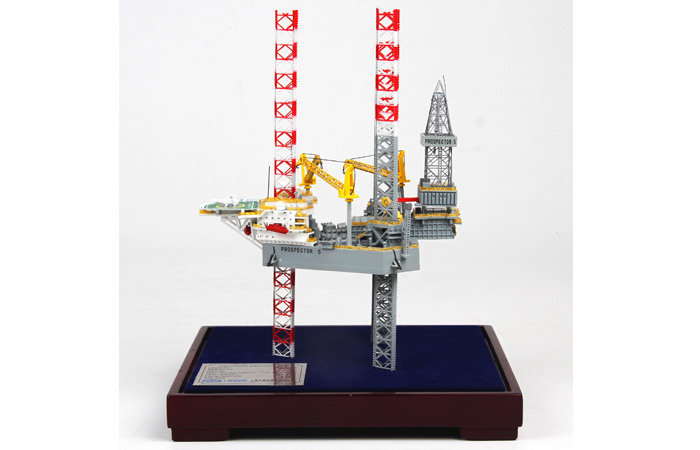 1/800 Scale Model Offshore oil Prospector 5 jack-up rig Diecast Model.