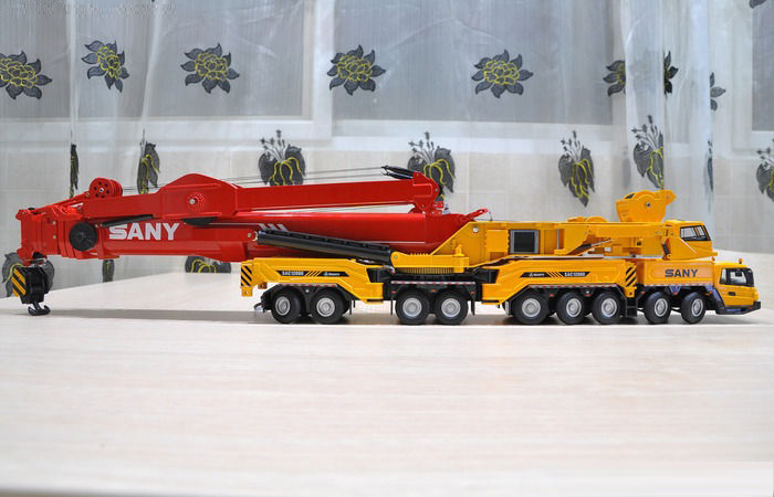 SANY SAC12000 1200 Ton All-Terrain Mobile Crane Diecast Model Construction Machinery Scale Model.