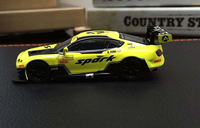 SPARK MODELS Y105 BENTLEY Continental GT3 N°10 5ème Macau GP FIA GT World Cup 2016.