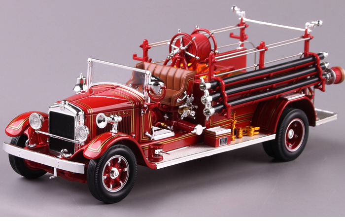 1/18 Scale Truck Diecast Model Lucky-Diecast 20188, 1932 BUFFALO TYPE 50 FIRE ENGINE Collection.