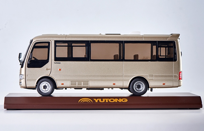 1/32 Scale Model YuTong Business Vehicle T7 Original Diecast Model Bus, Metal Scale Model Car,  Gifts, Toys, Collectibles, Display Model, Static Model.