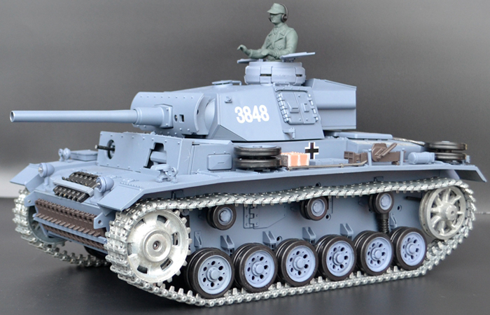HENG-LONG Toys 3848 RC Scale Model Tank, World War II German Panzer III (Panzerkampfwagen III) Remote Control Tank.