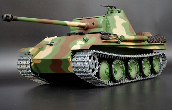 HENG-LONG Toys 3879 RC Scale Model Tank, World War II German Panther Type G Remote Control Tank.