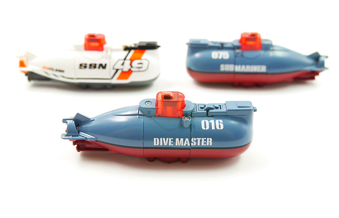 Micro-Submarine, Ultra small RC Submarine Toy, Mini Remote Control Submarine.
