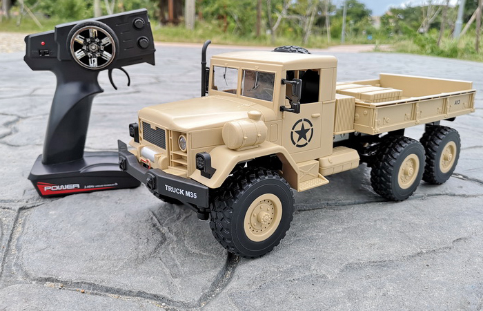 RC Crawler Car, 2.4GHz Radio Remote Control 6 Wheel Drive M35 Military Truck Scale Model.