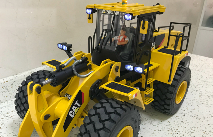 1/14 Scale Komatsu WA470 Full Metal RC Hydraulic Loader, RC CAT Hydraulic Loader Scale Model.