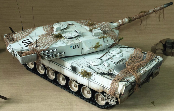 HENG-LONG Remote Control Scale Model Tank 3889 RTR GERMAN leopard 2 A6 Main Battle Tank.