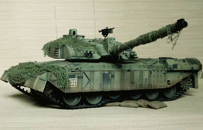 HENG-LONG Remote Control Scale Model Tank 3908 RTR British Challenger 2 Main Battle Tank.
