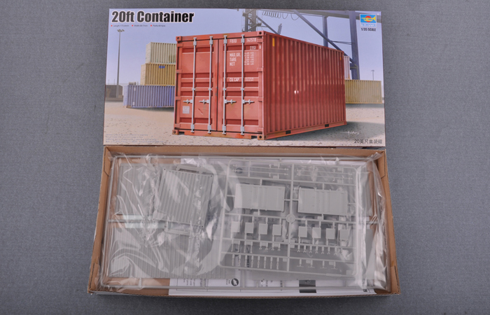 TRUMPETER 01029, 1/35 Scale Model 20ft Containe Plastic Model Kit.