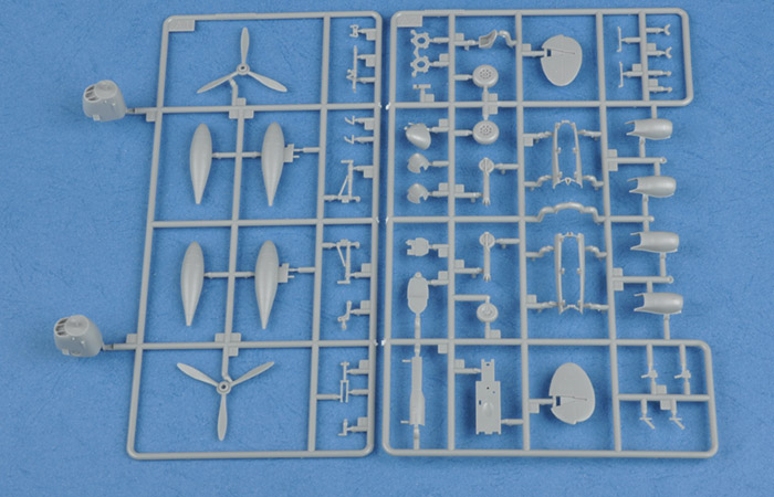 Hobby Boss 80284 Plastic Model kits, 1/72 Scale US P-38L-4-LO Lightning Plastic Model Kit, aircraft Scale Model