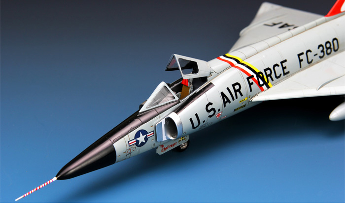 Meng-Model DS-003 1/72 Scale Plastic Model Kit US Air Force F-102A Delta Dagger Scale Model, Static Aircraft Model.