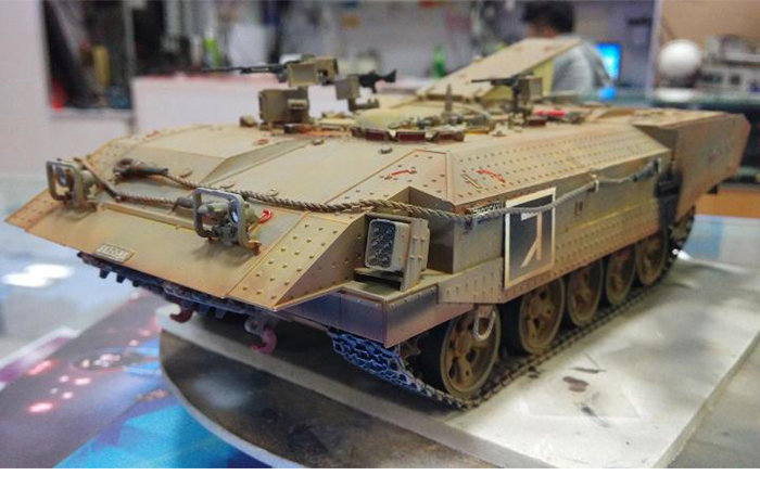 Meng-Model SS-003 1/35 Scale Plastic Model Kit Israel Heavy Armoured Personnel Carrier ACHZARIT Scale Model, Static Armor Model.