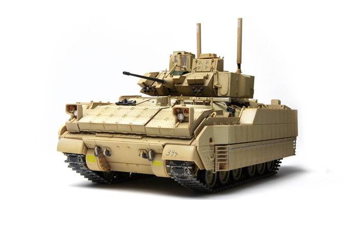 Meng-Model SS-004 1/35 Scale Plastic Model Kit US Infantry Fighting Vehicle M2A3 Bradley BUSK III Scale Model, Static Armor Model.