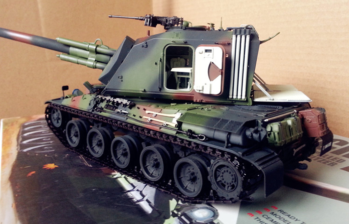 Meng-Model TS-006 1/35 Scale Plastic Model Kit Russian Main Battle Tank T-90A Scale Model, Static Tank Model.