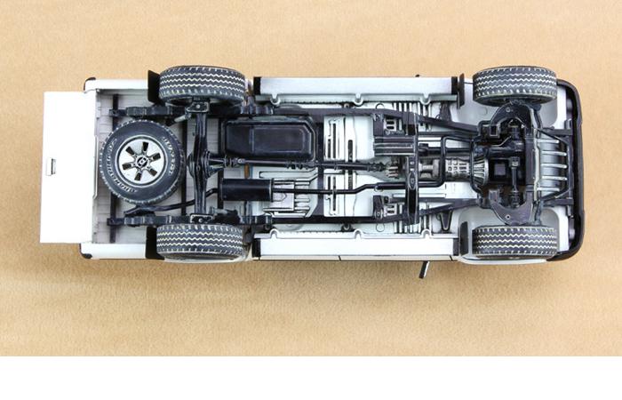 Meng-Model VS-001 1/35 Scale Plastic Model Kit Pickup Truck Fitted W/ZPU-1 Anti-Aircraft Gun Scale Model, Static Truck Model