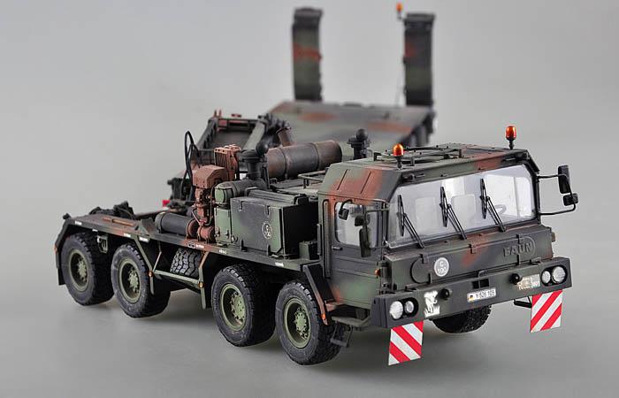 TRUMPETER 01028, 1/35 Scale Model Russian BM-21 Grad Multiple Rocket Launcher Plastic Model Kit.