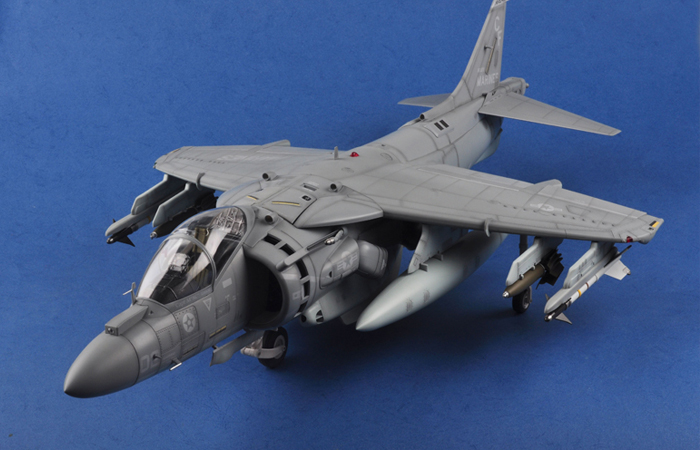 Merit Massive Plastic Model, 1/18 Scale United States Marines Corps McDonnell-Douglas AV-8B Harrier II Finished model, Trumpeter OEM 60027