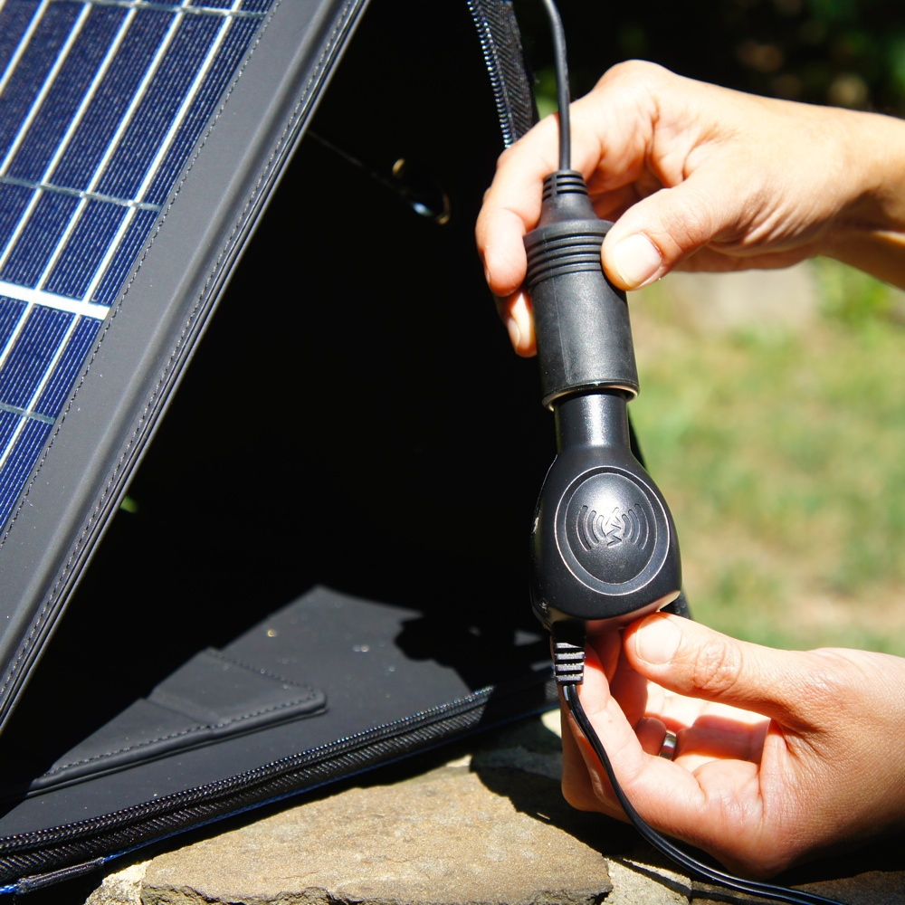 15W Monocrystalline Solar Panel with Portable Carrying Case / Stand